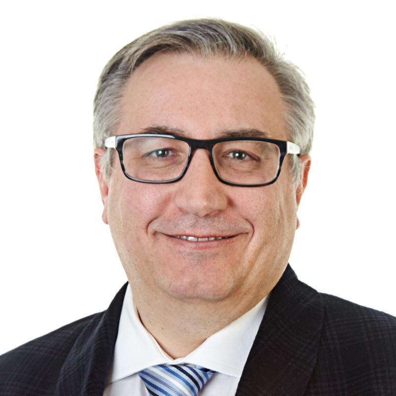 Mark Cambridge,理学学士(学士学位)英国董事协会会员 (FIoD)